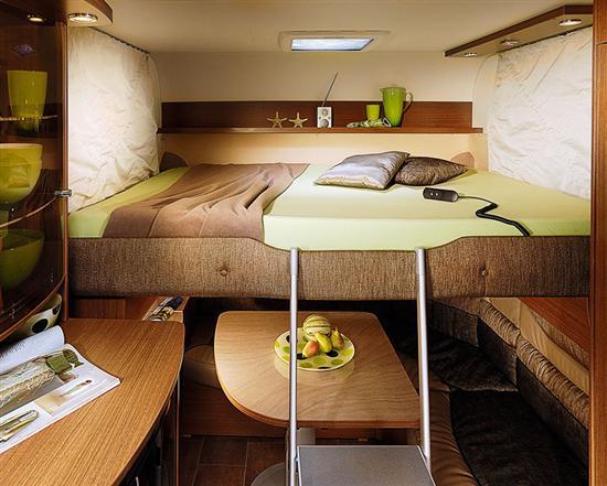 Alvorlig Bürstner: Gem sengen væk under loftet! HL95